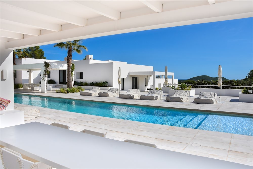 https://www.white-ibiza.com/wp-content/uploads/2021/03/GHLibiza_Gouldheinzlang_property_ibiza__Villa-Ibiza-Ibiza-3696-resized.jpg
