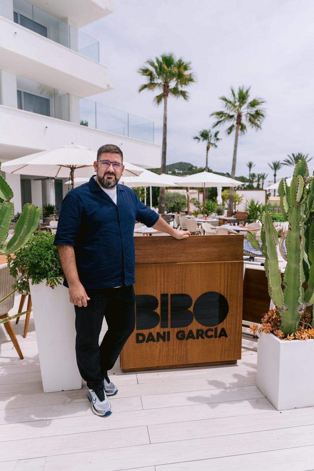 https://www.white-ibiza.com/wp-content/uploads/2021/06/white-ibiza-restaurants-bibo-ibiza-bay-02-1025x1536.jpg