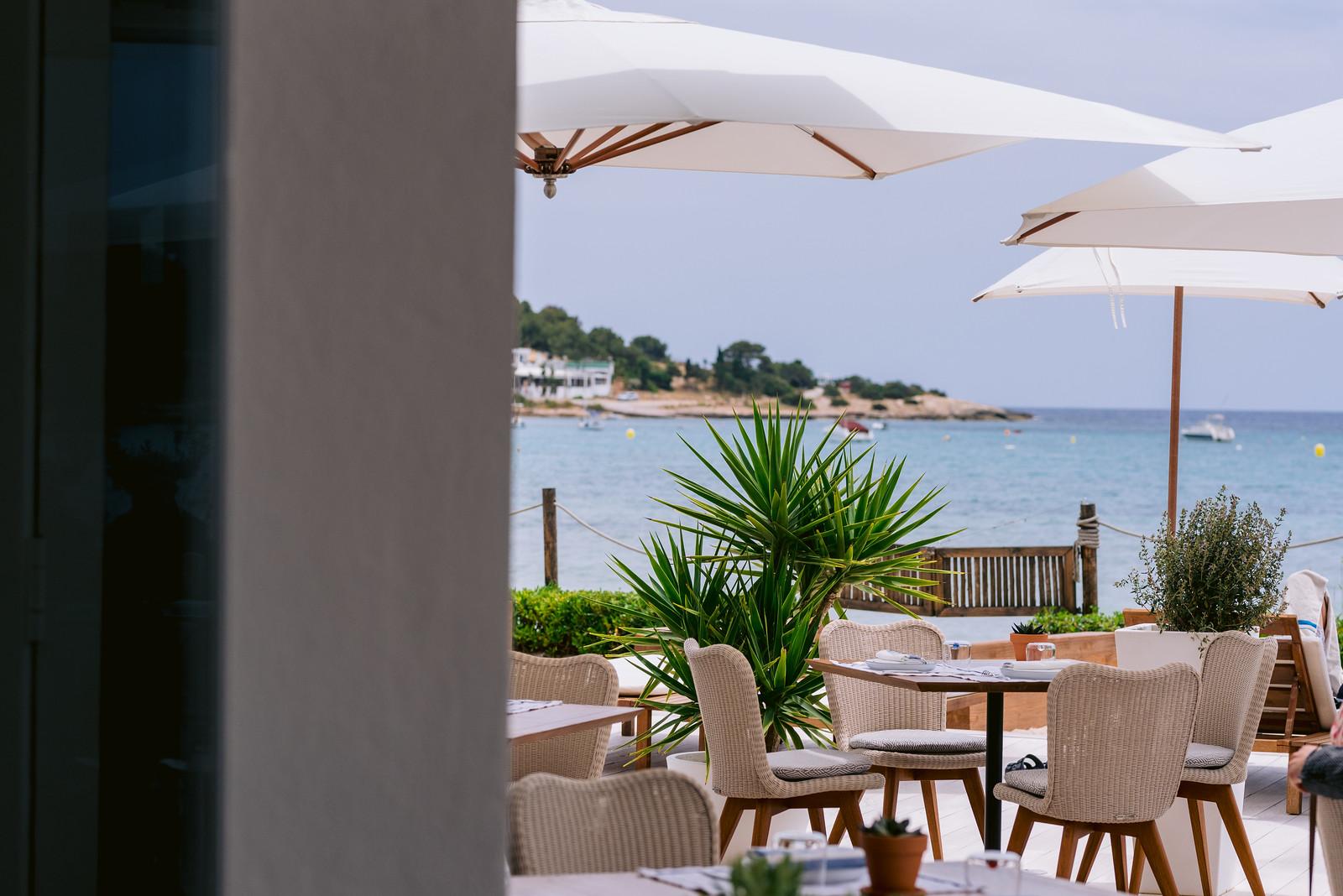 https://www.white-ibiza.com/wp-content/uploads/2021/06/white-ibiza-restaurants-bibo-ibiza-bay-08.jpg